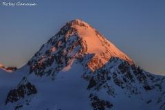 Prima luce sulla vetta del Gran Zebrù m 3851