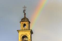 Arcobaleno sul campanile della chiesa del cimitero di Morbegno