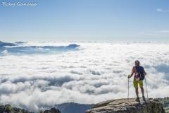 Un mare di nebbia salendo al monte Cardo