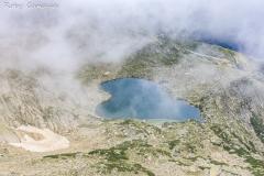 La forma a cuore del lago Bastiani visto dal monte Renoso
