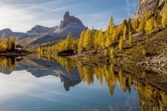 Il becco del Mezzodi si specchia nel lago Federa