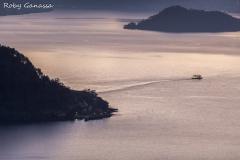 Il battello tra Bellagio e la penisola di Lavedo