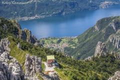 Il rifugio Rosalba sulla Grignetta e il lago di Como
