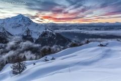 Tramonto all'alpe Piazza di Rogolo e il monte Legnone m 2610