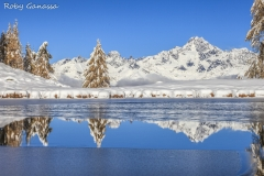 Il monte Disgrazia riflesso nel lago delle Zocche