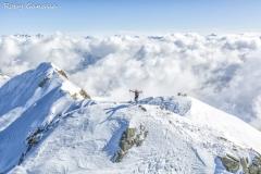 Scialpinista in vetta al monte Ponteranica