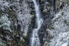 La cascata del Rio Dassola dopo una nevicata