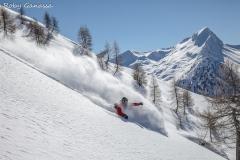 Scialpinismo all'alpe Canale, sullo sfondo il pizzo della Scala