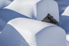 Alpe Lendine. Baite sommerse dalla neve nell'inverno 2014