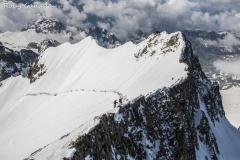 Alpinisti sulla via normale del pizzo Bernina